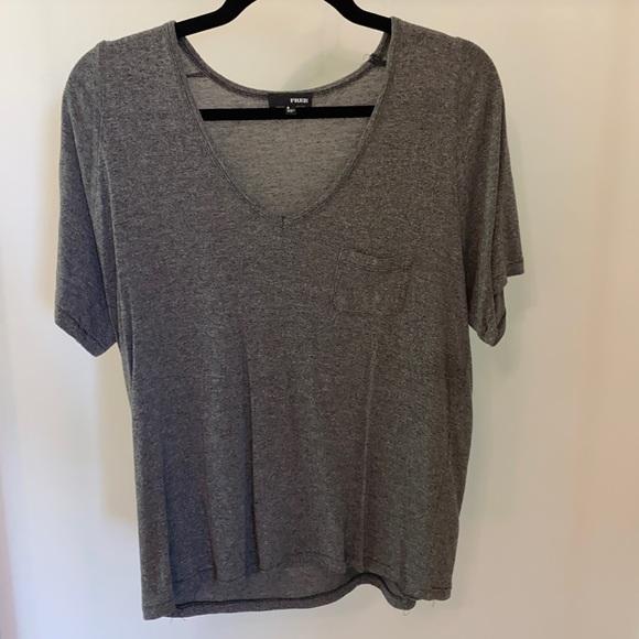 Aritzia Wilfred Free short sleeved gray T-shirt